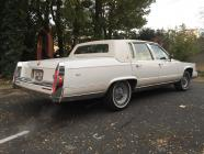 Cadillac blanche brougham 1992 location mariage cady cruise paris