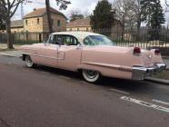 Cadillac rose pale 4 portes de 1956 location mariage cady cruise paris