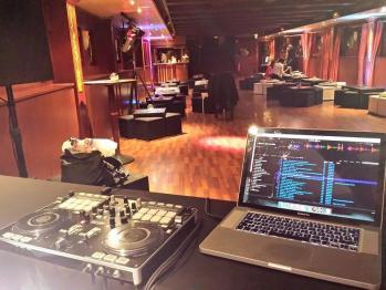 DJ 93