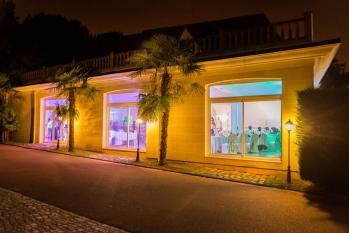 Une belle salle de réception, pour un beau mariage en Essonne ! Venez la visiter et réserver la.
