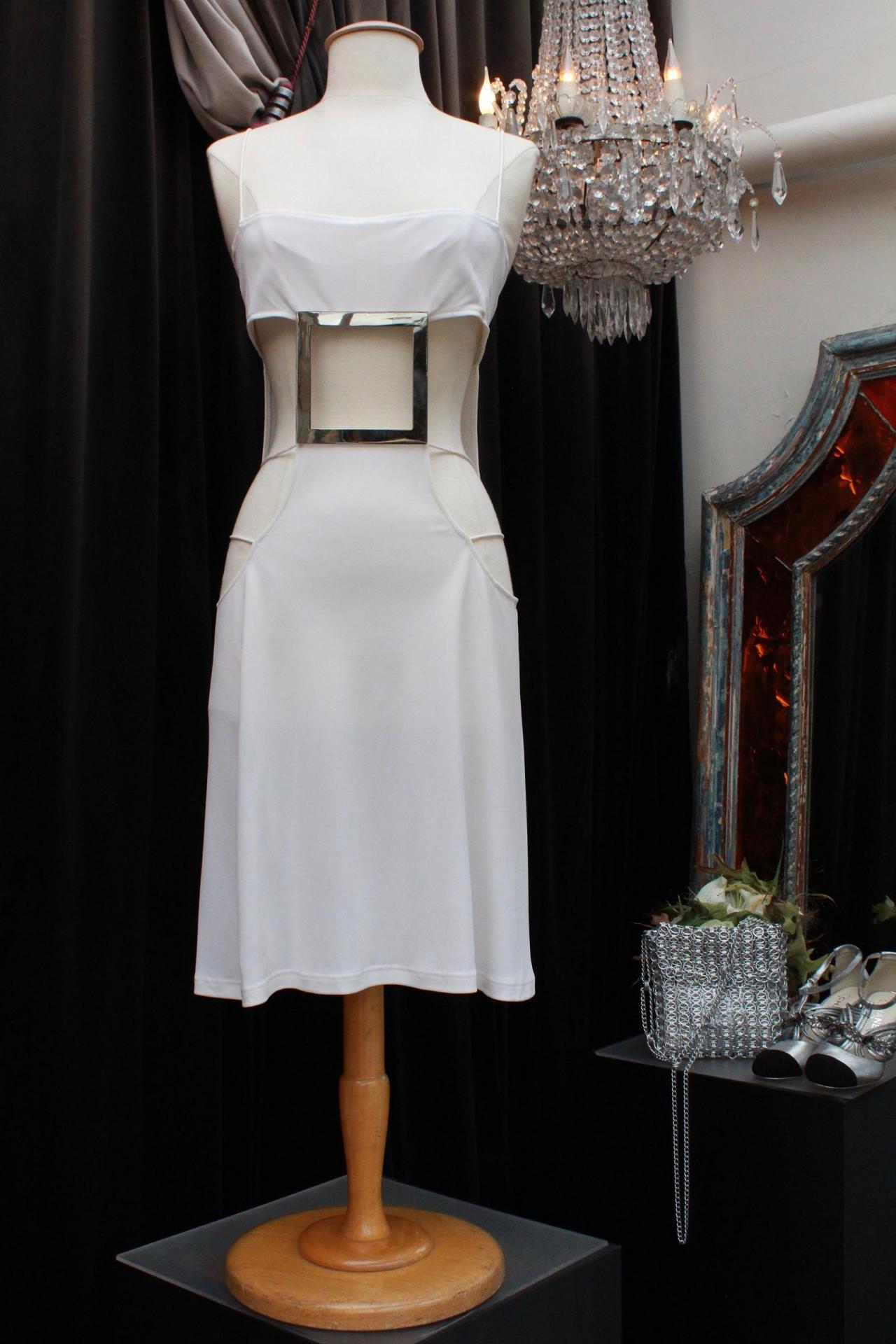 Robe blanche ajourée Paco Rabanne Été 2004 950,00 €